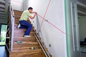 Modernes Lasergerät hilft bei der kreativen Wandgestaltung  baumesse ...