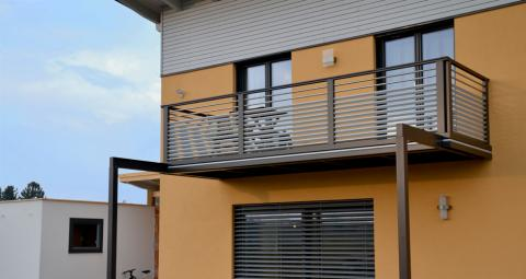 leeb balkongel nder gel nder f r au en. Black Bedroom Furniture Sets. Home Design Ideas